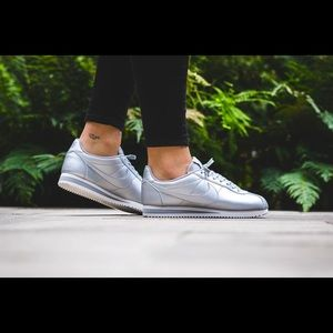 ☀️2 For $30☀️ Nike   Cortez Metallic Silver